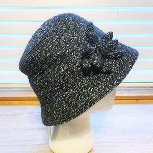NWT Sz OS Black & White Boucle Bucket Hat